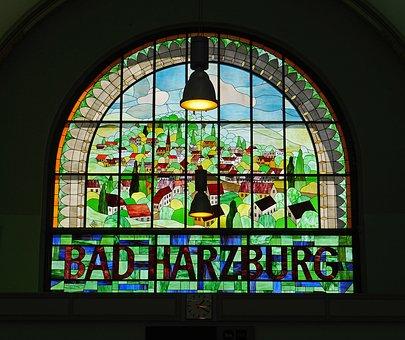 Fenster im Bahnhof