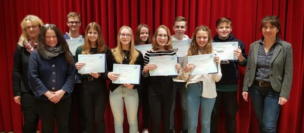 Junge Schüler aus Bad Harzburg erhalten Französisch-Zertifikate